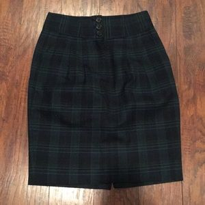 Plaid pencil skirt with button closure & pockets